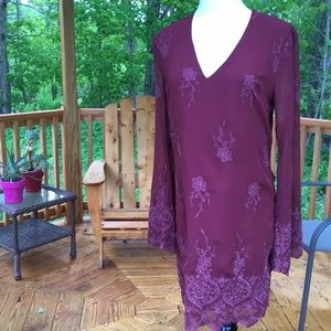 Dresses & Skirts - Pretty Embroidery Floral Tunic Dress  Sm
